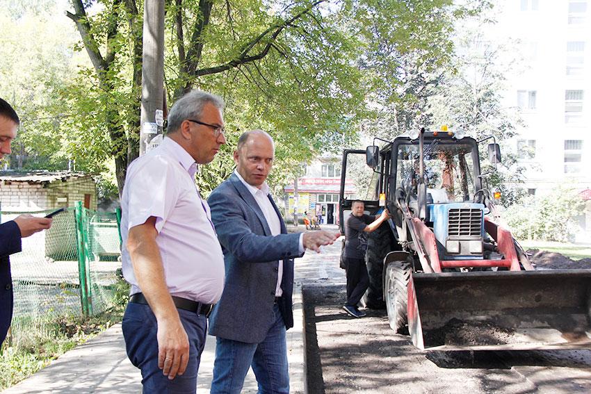 Благоустройство двух дворов на улице Тихорецкой в Нижнем Новгороде завершено на 85%